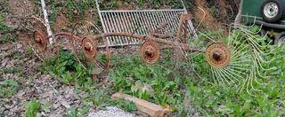 Rastrillo de heno para tractor