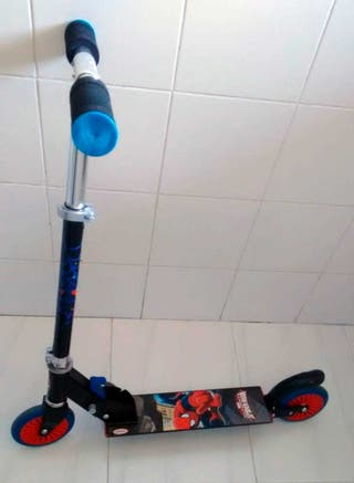 Patinete spiderman