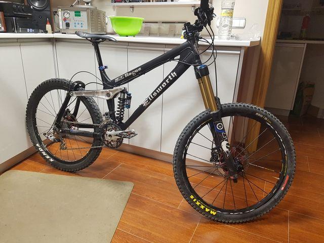 Bicicleta Ellsworth Rogue