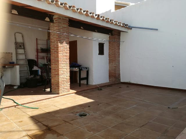 Casa en venta y alquiler (Villanueva del Rosario, Málaga)