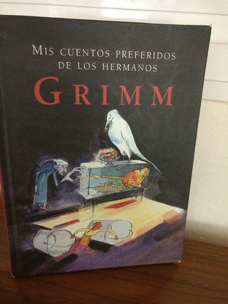 Mis cuentos preferidos de los hermanos Grimm.
