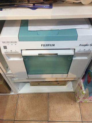 Máquina de fotos Fujifilm con 2 Impresoras