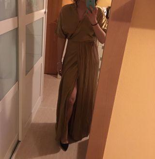 Vestido dorado para una boda o fiesta de noche
