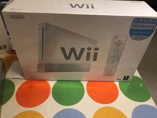 Wii + tabla wii fit + juegos + mandos extra