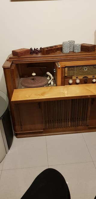 Mueble antiguo de musica