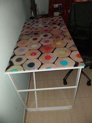 Mesa de escritorio y/o silla