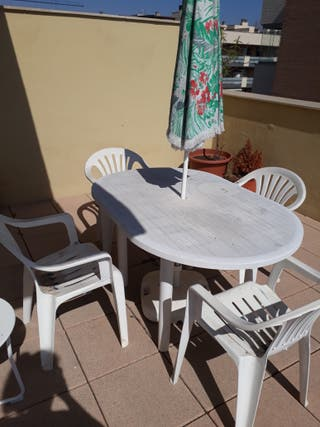 Mesa exterior jardin/terraza + sombrilla