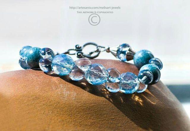 c690a73e6e0b Pulsera azul cristal checo primera calidad de segunda mano por 36 ...