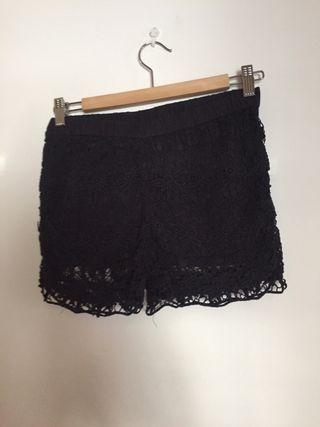 0dbd12d07b Falda pantalón negra de segunda mano en Durango en WALLAPOP