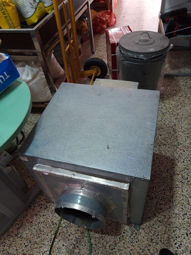 motor de la campana industrial desmontado