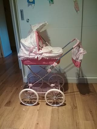 Cochecito de bebé juguete