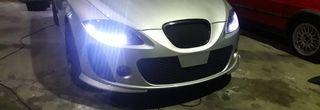 Faro coche