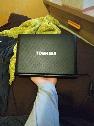 Portátil Toshiba Notebook Mini NB500-12c. -LEER