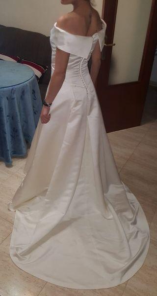vestido de novia con cancan.