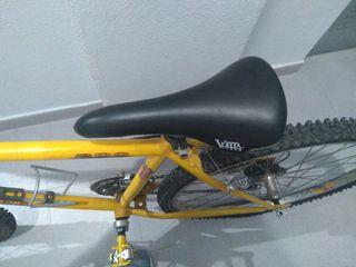 bicicleta de montaña de mujer bh