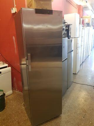 congelador vertical Fagor con transporte y garantí