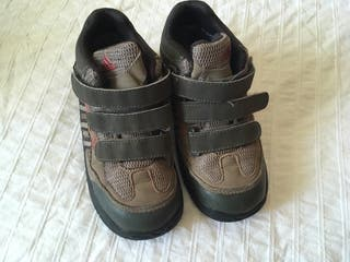 Botas de monte Adidas T26