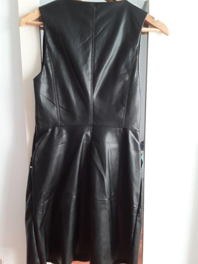 ajuste clásico buena calidad comprar original Vestido bershka de polipiel de segunda mano por 12 € en ...