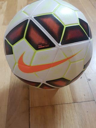 Nike Ordem 2 spanish league OMB