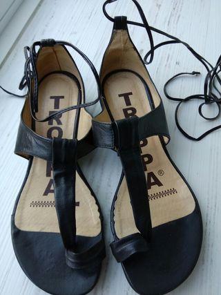 Zapatos sandalias TROPPA piel