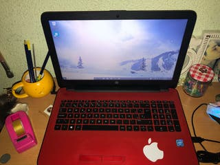 Portatil HP de color rojo