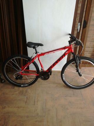 """Bicicleta Eleven Pro Aluminio 26"""" talla M."""