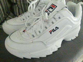 zapatillas fila nuevas tallla 42 blancas