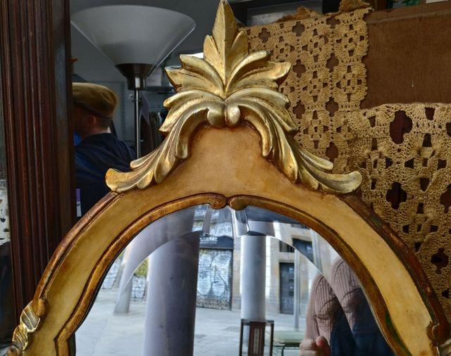 Espejo antiguo dorado estilo barroco rococó