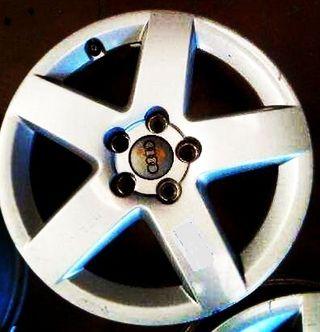 Llanta nueva Aluminio, sin uso Audi A3 15''