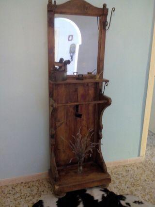 recibidor con espejo tipo rustico