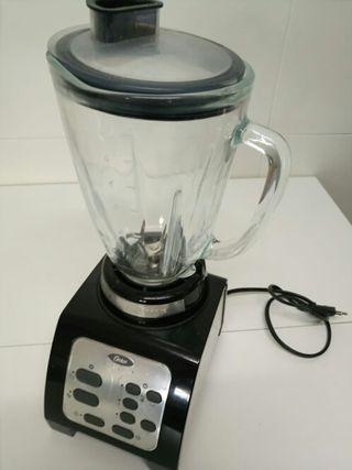 Licuadora reversible con jarra