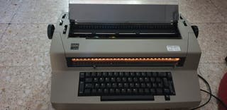 máquina de escribir IBM