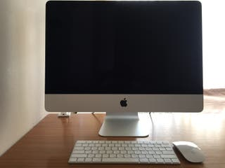 Apple iMac 21,5. Teclado ruso-ingles.