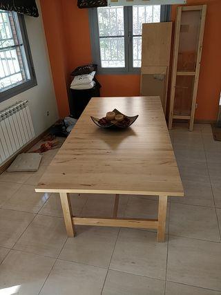 mesa de comedor madera clara