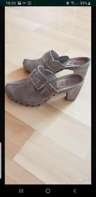 Zapatos de ante. Muy cómodos