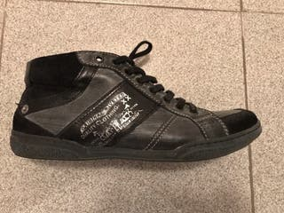 Zapatillas altas Levis talla 40