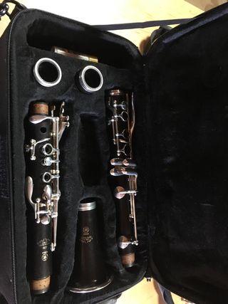 Clarinete Yamaha ycl650