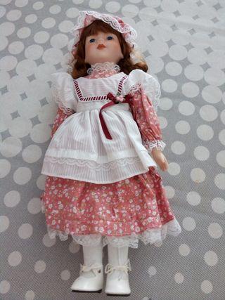 Muñeca de porcelana Louisa