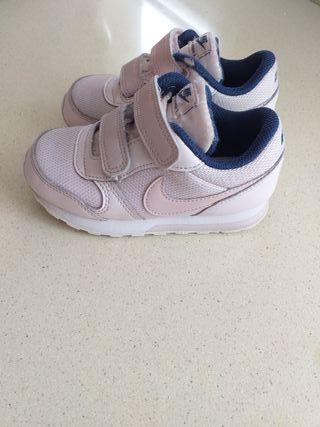 Zapatillas Nike niños de segunda mano en Granada en WALLAPOP