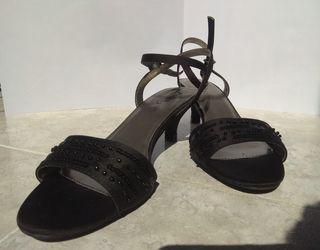 sandalias negras de vestir