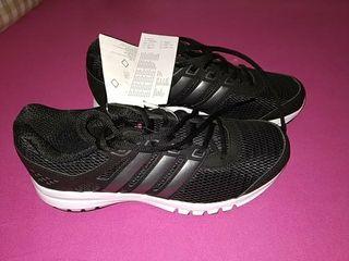 d31730fd Zapatillas Adidas Negras de segunda mano en Murcia en WALLAPOP
