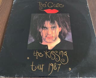 THE CURE -KISSING TOUR 1987