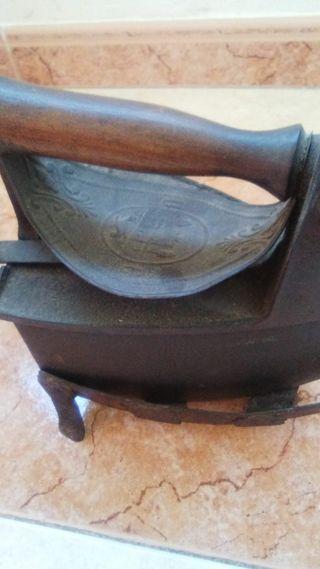 Plancha carbón antigüa