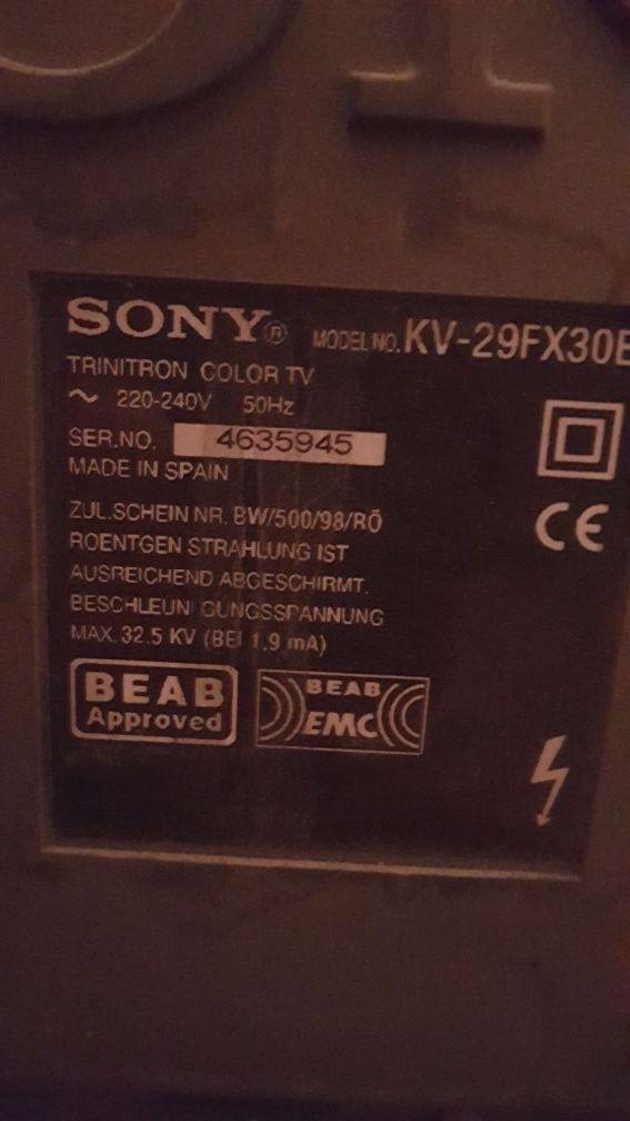 Regalo Sony Black Trinitron, con TDT incluído.