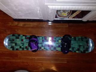 tabla de snowboard y fijaciones burton