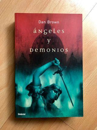 Libro Ángeles y Demonios - Dan Brown