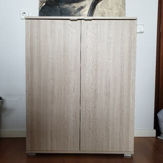 Aparador madera con baldas interiores