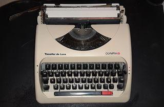Máquina de escribir OLYMPIA, funda