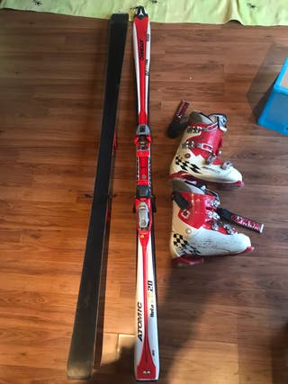 Tablas y Botas de Esquí Atomic.