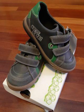 zapatos de piel talla 27 sin estrenar